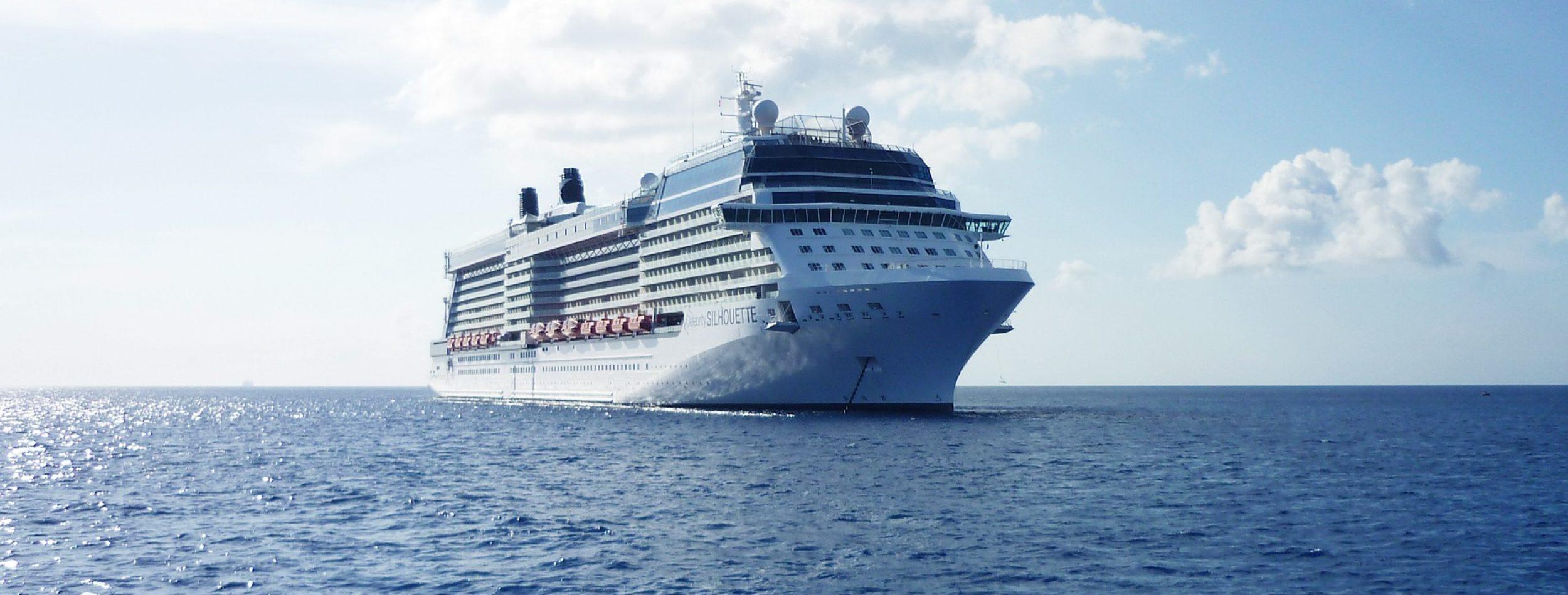 cruise-ship-788369_1920
